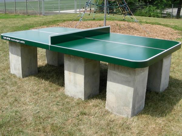 Ping Pong Tisch Top Spin mit runden Ecken und Betonfüssen